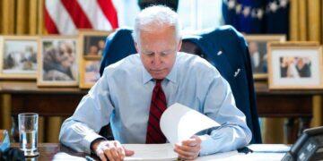 Comment le secteur bancaire utilise les médias sociaux pour tuer les efforts de Biden pour taxer les riches
