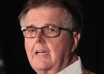 Le lieutenant-gouverneur du Texas critiqué pour avoir ouvertement utilisé la rhétorique du «génocide blanc» sur Fox News