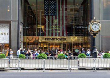 """Trump Tower mise sur la """"liste de surveillance"""" de la dette après la chute du taux d'occupation cette année: rapport"""